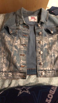 jean  jacket(justice) size 20 in girls usually a small in womens Seymour