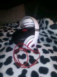 Beats Studio Bluetooth headphones