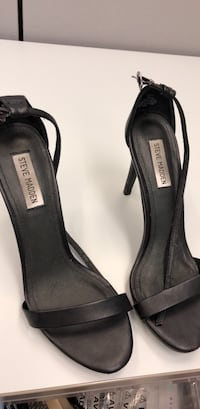Steve madden black leather peep-toe heels Toronto, M5S 1B2
