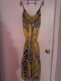 YELLOW PRINT DRESS SMALL, NEW.PERFECT FOR VACATION Pickering, L1W 2K1