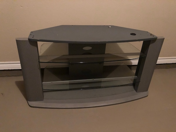 Used Tv Stand Table It S Sturdy And Heavy Must Pick Up For Sale