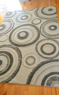 AREA RUG (Like New) Laval, H7Y 2B3