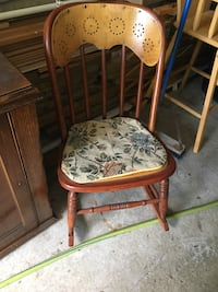 Wooden rocking chair Whitby, L1N 6Z1