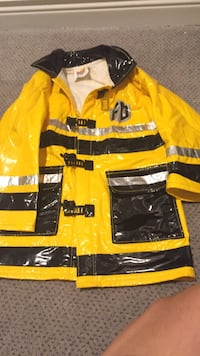 Rain jacket size 4t but seems to fit a three year old. Puddle Puds fireman jacket. Too cute! Vaughan, L4J 5L7