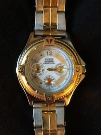 round gold-colored chronograph watch with link bracelet Red Lion, 17356