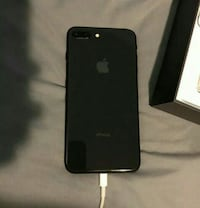 black iPhone 7 plus with box