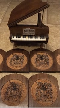 Old piano coaster set 155 mi
