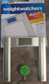 Weightwatchers Digital glass scale - Almost New Abbotsford