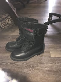 New leather boots Chatham, N7L 4J3