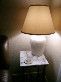 Nice side table + lamp included Nashville, 37076