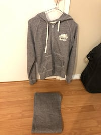black and gray Under Armour pullover hoodie Richmond, V7A 4M2