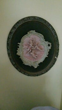 round white and pink floral ceramic plate Montreal, H3R 3L4