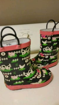 Western Chief rain boots size 9 / 10
