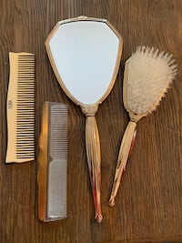 Antique combs, brush and mirror set Mc Lean, 22101