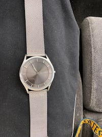 round silver-colored analog watch with white leather strap Fairfax, 22030