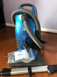 Riccar canister vacuum cleaner Mc Lean, 22101