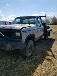 Ford  1980 4x4 flat bed Billings