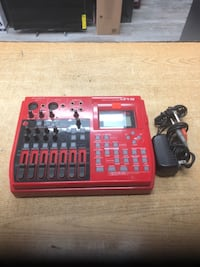 Fostex MR8 8-Track Digital Recorder with Built-In FX ......