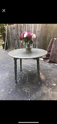 round black wooden table with two chairs Annandale, 22003