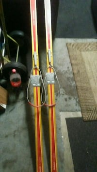 Spiltkein cross country skis Anchorage, 99504