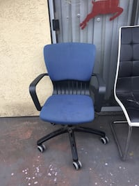 blue and black rolling armchair 2258 mi