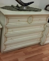 White wooden 5 drawer dresser