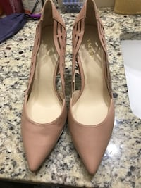 Pair of brown leather heeled shoes Myrtle Beach, 29588