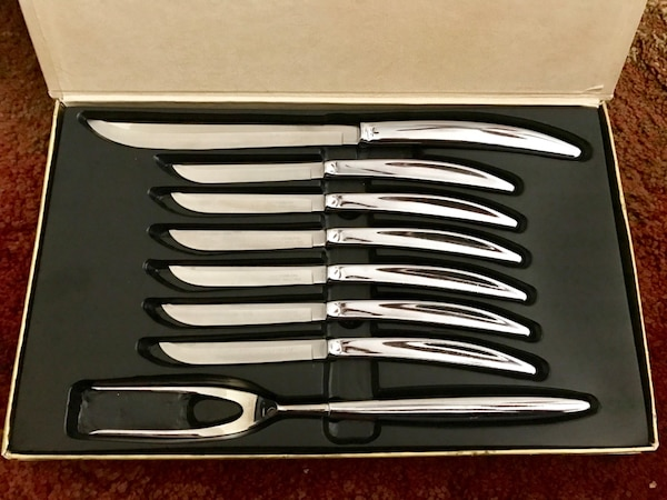 Vintage Carvel Hall Stainless Carving Set with Knives c1c25e09-8290-42a0-a4e2-5d2df4a8c444