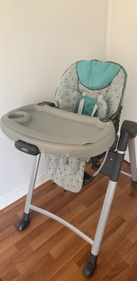 Baby's white and gray high chair Toronto, M9V 5E7