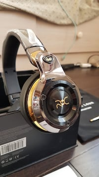 *FREE* LIMITED EDITION MONSTER ROC HEADPHONES (BASS HEAVY GOLD) Markham, L3R 3E6
