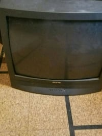 Old tube tv still works , no remote. Lutherville-Timonium, 21093