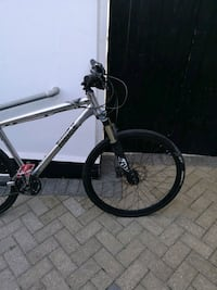 white and black hardtail mountain bike Greater London, BR5 2LR