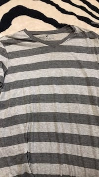 Men's t stripe v neck  shirt