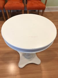 White round end table East Islip