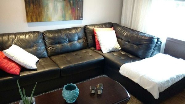 Used Sofa sectionnel en simili cuir brun for sale in Vaudreuil ...