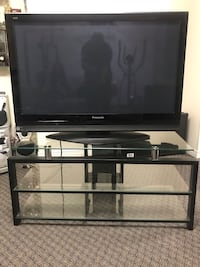42 inch TV with stand Brampton, L6S 5T8