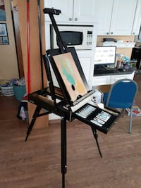 Folding portable easel