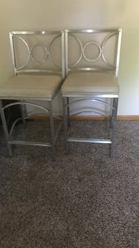 two gray metal framed chairs Des Moines, 50315