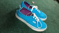 Pair of blue-and-white Vans  Oregonia, 45054