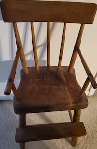 Old wooden high chair Martinsburg, 25405