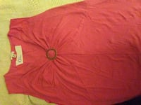 red v-neck sleeveless top Piqua, 45356