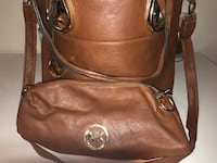 Brown michael kors leather crossbody bag with makeup bag St Catharines, L2M 3S5