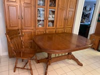 Solid Oak Table with 6 chairs and Leaf Pelham, L0S 1E4