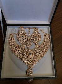 Necklace and Earring Set Toronto, M3C 3A1