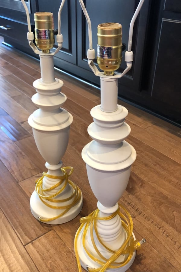 White (brass) lamps d77dcf49-500a-41f6-a18f-176bc36698ec