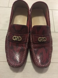 Authentic Cole Haan loafers size 10 547 km