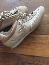 Never used white-and-brown Skechers size 9 Fort Mitchell, 41017