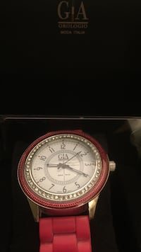 Round gia chronograph watch with link bracelet Mississauga, L5M 7X1