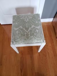 Vanity Stool, Top removes, Excellent Condition! Bolton, L7E 1X4