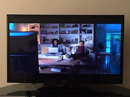"""SONY BRAVIA 46"""" TV (with Remote & original box) Full HD 1080P, Internet TV Size: 46'' Condition: Prefect, no scratch, no damage , excellent working condition"""